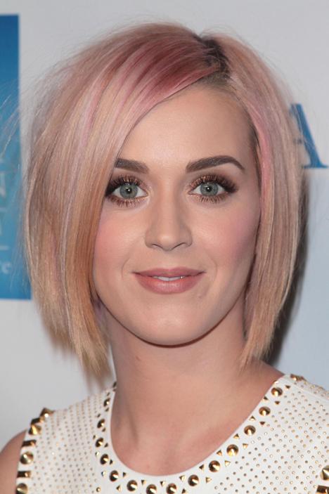 Окрашивание Знаменитостями Волос в Розовый Цвет фото