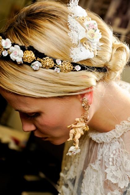 Прически с красивейшими ободками от Дольче Габбана фото репортаж