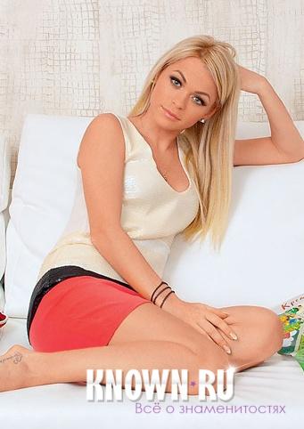Прически Анны Хилькевич на Длинные волосы фото