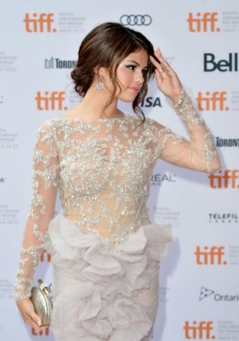 Стиль и Красивые Платья Селены Гомес фото коллекция