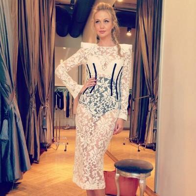 Стиль в одежде Виктории Лопыревой фото обзоры