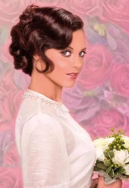 Короткие прически на свадьбу с кудрями фото